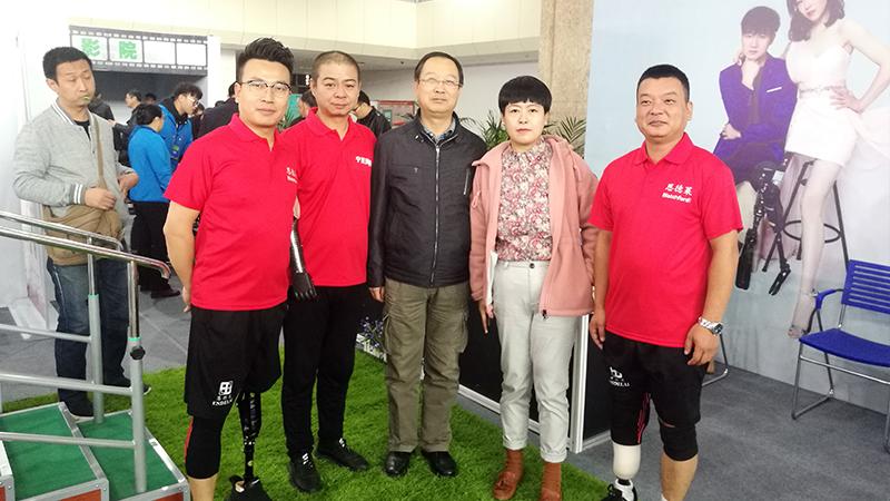 恩德莱公司代表团赴宁夏庆祝2019年宁夏残疾人文化艺术节03