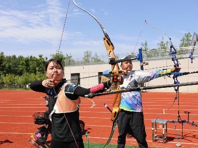 陕西姑娘王雪倩借助假肢,成为射箭项目专业运动员